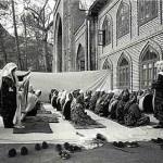 Anatoly Rahimbaev, Women at mosque, Urgut.